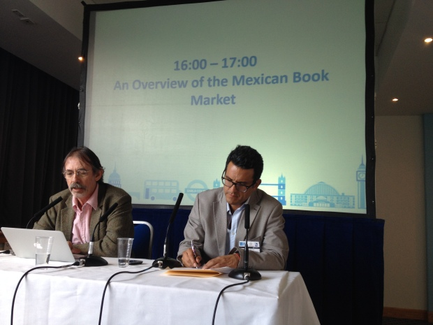 Marcelo Uribe y Julio Trujillo de CONACULTA durante The London Book Fair 2014.